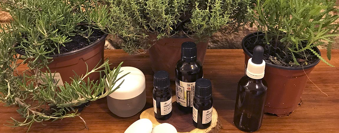 Aromaterapia, aceites vegetales y sol. Prepara tu propia mezcla para cuidar tu piel